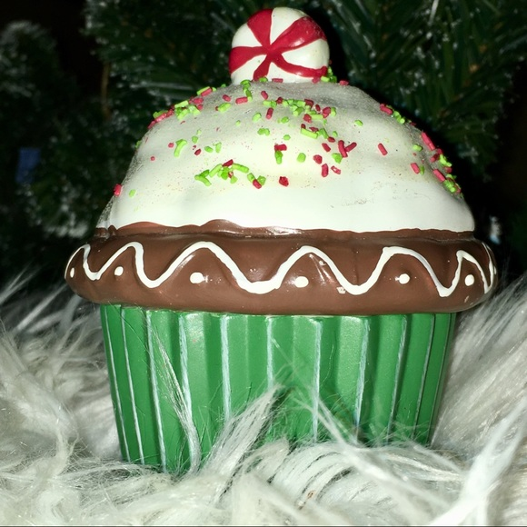 Kohl S Holiday Cupcake Candle Poshmark